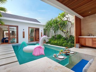 Super 2BDR romantic villa in kerobokan bali