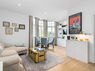 2 Bedroom flat in a Police Station conversion