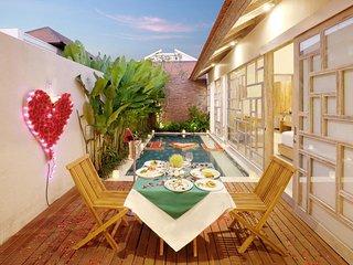 Romantic Honeymoon Villa in Canggu