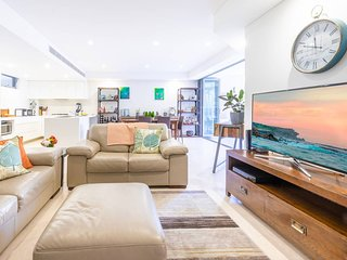 Luxury Apartment Close to Coogee Beach H440