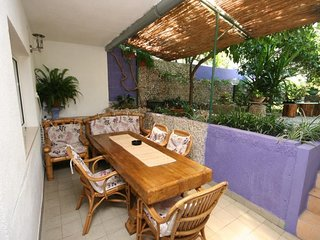 Makarska Apartment Sleeps 6 with Air Con - 5466339