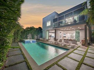 1160 - Beverly Grove Luxury Villa