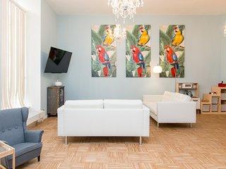 primeflats - Old Artist's studio, New Family Apartment Flora