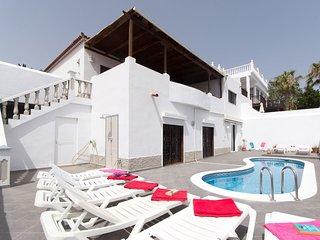 Lovely Impressive 4 Bedroom Villa. Private Pool. Unbeatable Views. CallaoSalvaje