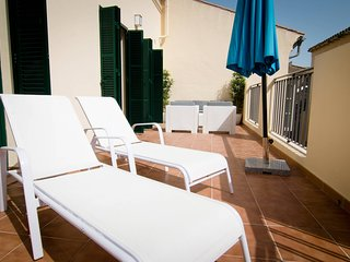 Bright studio with terrace solarium near the Cathedral of Malaga