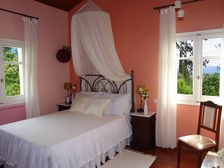 Riza Stone Cottage. Romantic Villa