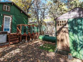 Bear Tracks Cabin