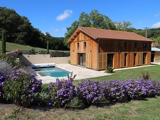LE SECHOIR D'OLIVIA - FANTASTIC BARN CONVERSION WITH PRIVATE POOL AND AIR CON