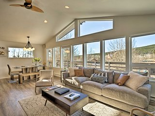NEW! Modern Alma Home - 20 Miles to Breckenridge!