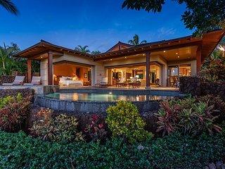 Hualalai 'Maluhia Hale' renovated ~ panoramic views~private pool, + spa