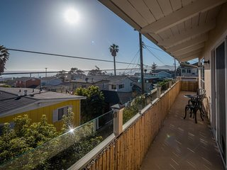 Adorable Cayucos Cottage! Freshly Remodeled with Ocean Views!