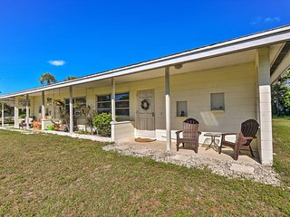 NEW! Englewood Townhome w/Yard - 2 miles to Beach!
