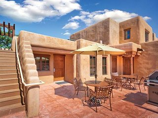 Santa Fe, NM: Studio w/Fireplace & WiFi Outdoor Sports, BBQ Area, Golf & More!