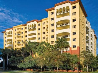 Pompano Beach, FL: Studio w/Resort Pool- Steps Away From Beach, Attractions!