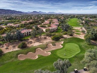 Phoenix 2BR w/FREE WIFI- Pool & Spa, Restaurant, Championship Golf Course ONSITE