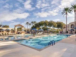 Phoenix Studio: FREE WIFI Pool, Spa, Restaurant, Championship Golf Course ONSITE