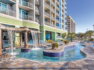 Myrtle Beach, SC: 3 Bedroom Deluxe Ocean Front Room: Lazy River, Beach & More!