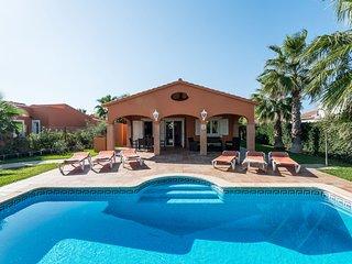 3 Bedroom Villa Peonia, Cala en Bosch, Menorca