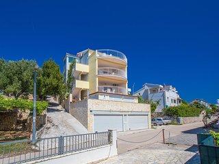 2 bedroom Apartment in Okrug Gornji / Liveli, Croatia - 5518008