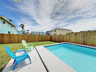 Bahama Breeze, new 3 bedroom home with gorgeous private pool!