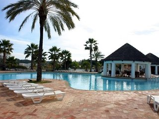 Quinta do Lago Apartment Sleeps 5 with Pool and Air Con - 5621094