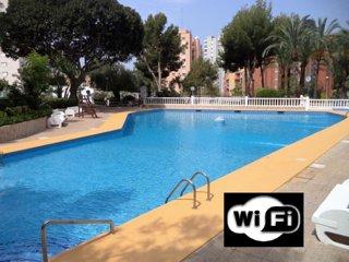 WiFi Gratis. Alquiler Ideal, con vistas al mar y a 7 min andando de la playa