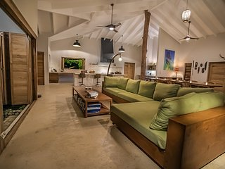 Nakatumble Luxury Eco Retreat (In house chef available)