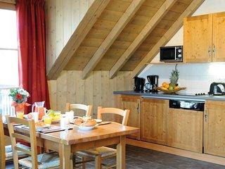 3 Bedroom Apartment for 8 at Lagrange Vacances Les Arolles