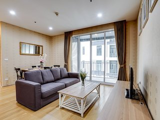 Elegant & Cozy 2bed2bath in 39 by Sansiri Condo