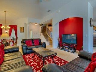 108MC. Beautiful 5 Bedroom 4 Bath Pool Home in Tower Lakes