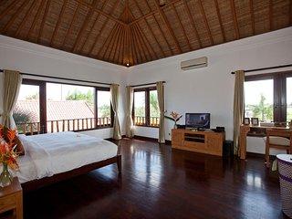 5BDR Landscape Garden Villa near Pererenan Beach