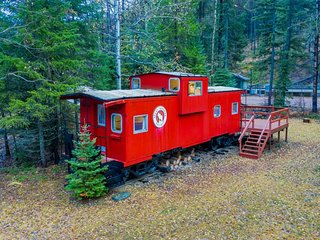 Unique caboose train car home w/ deck & tons of personality - great for hiking!