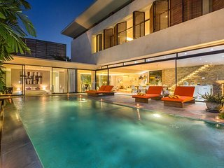 luxury 3bdr villa near berawa beach in canggu
