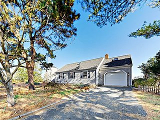 4BR, 2.5BA Yarmouth Port Home- Panoramic Marsh Views!