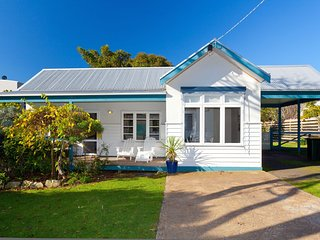 Cornwall Cottage - Cowes, VIC