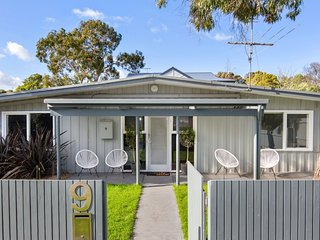 Beach Walk Cottage - Cowes, VIC