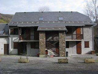 Appartements à louer dont 4 studios de 3 couchages et 2  duplex de 8 couchages