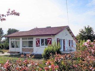 3 bedroom Villa in Montalivet-les-Bains, Nouvelle-Aquitaine, France : ref 568924
