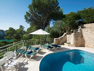 Miramar I, Apartment with sea view and private swimming pool in Cala Galdana