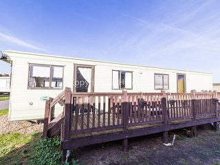 4 berth caravan at North Denes Holiday Park. In Lound *Pet allowed. REF 40075