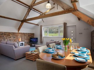 The Granary Mill Apartment - Beautiful Rural View