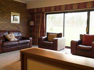 52 Balmerino, 3 Bedroom House, Sleeps 8, With Leisure Facilities & Pool
