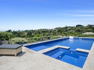 Perla Marina - Luxury Family Retreat (Mount Martha) with heated pool, spa,playgr
