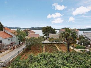 2 bedroom Apartment in Pirovac, Sibensko-Kninska Zupanija, Croatia : ref 5536007