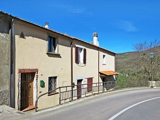2 bedroom Villa in Prata, Tuscany, Italy : ref 5447012
