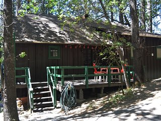 Lakes First Cabin #05