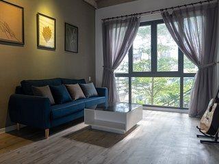 Kiu House - 3BR Green & Artistic