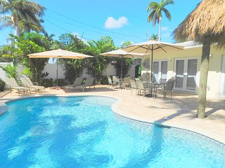 Casa Blanca 5/4 for 12 Guests Heated Pool, All New