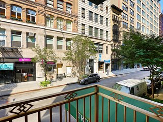 WEST 19TH STREET STUDIO APT WITH OUTDOOR SPACE!