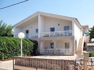 3 bedroom Villa with Air Con and WiFi - 5638526
